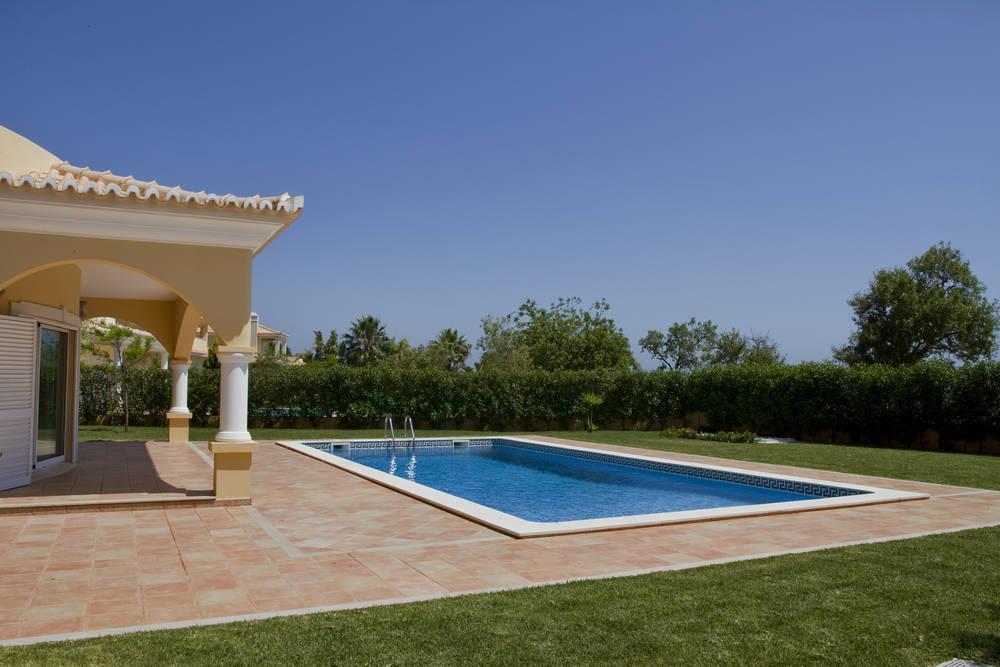 La piscina: un complemento para el hogar