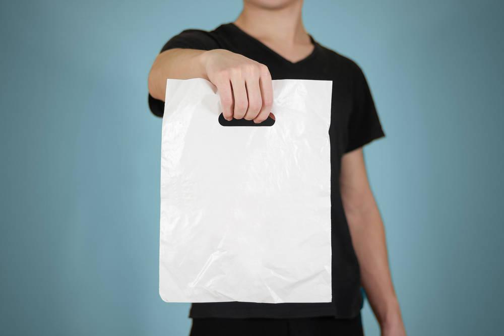 ¿Se cobran las bolsas de plástico?
