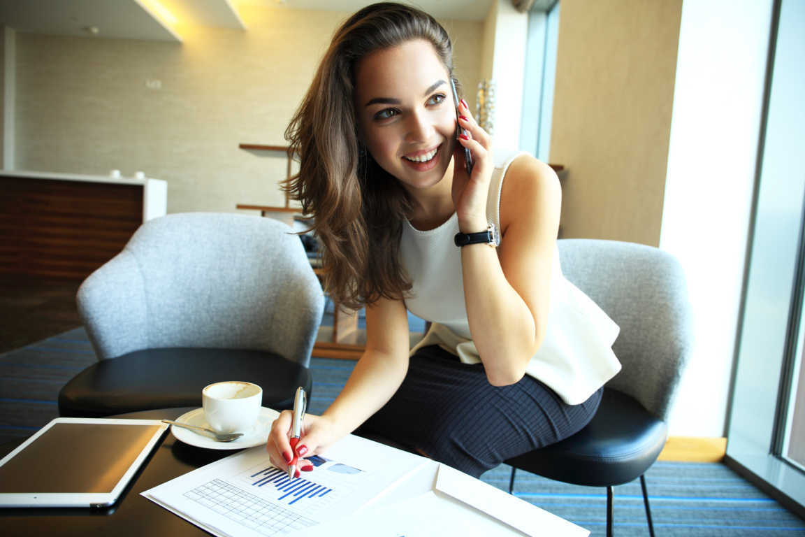 Mujeres emprendedoras: cómo comenzar a vender desde casa